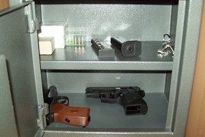 Что грозит за незаконное хранение оружия - статья 222 УК РФ