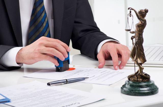 Нотариус может требовать сведения в ЗАГСе, Юридические Советы